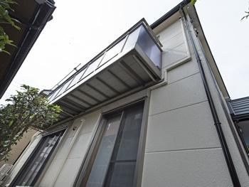 壁一面の苔や、不良品ではと気になっていた屋根も綺麗になり、とても安心しています。ありがとうございました。