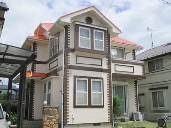 中古で購入した家だったのですが、その時から以前の家主さんが補修した部分など気になっていて塗装を考えました。