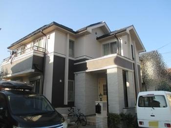 築16年廻りの住宅もメンテナンスを進めているのでヌリカエを通じて問合せしました。屋根外壁共にヒビ割れやチョーキングが気になっています。